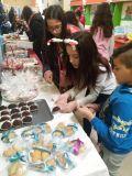 Благотворителен коледен базар организираха шестокласници в ОУ Васил Левски -  ОУ Васил Левски - Ловеч